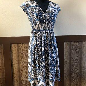 Sz 4: NWOT Enfocus Sleeveless Blue Print Dress